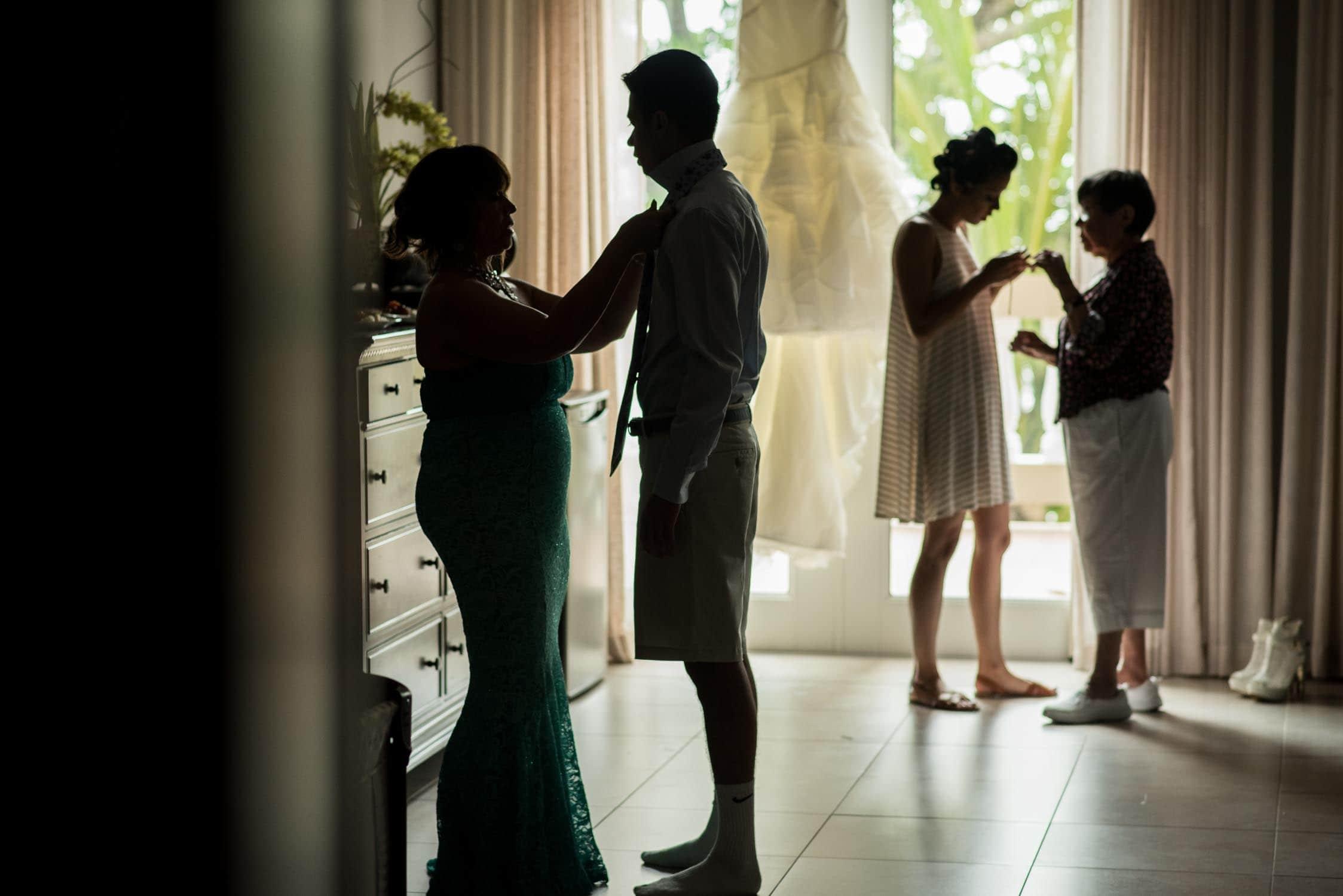 Family getting ready photo before wedding Oregon