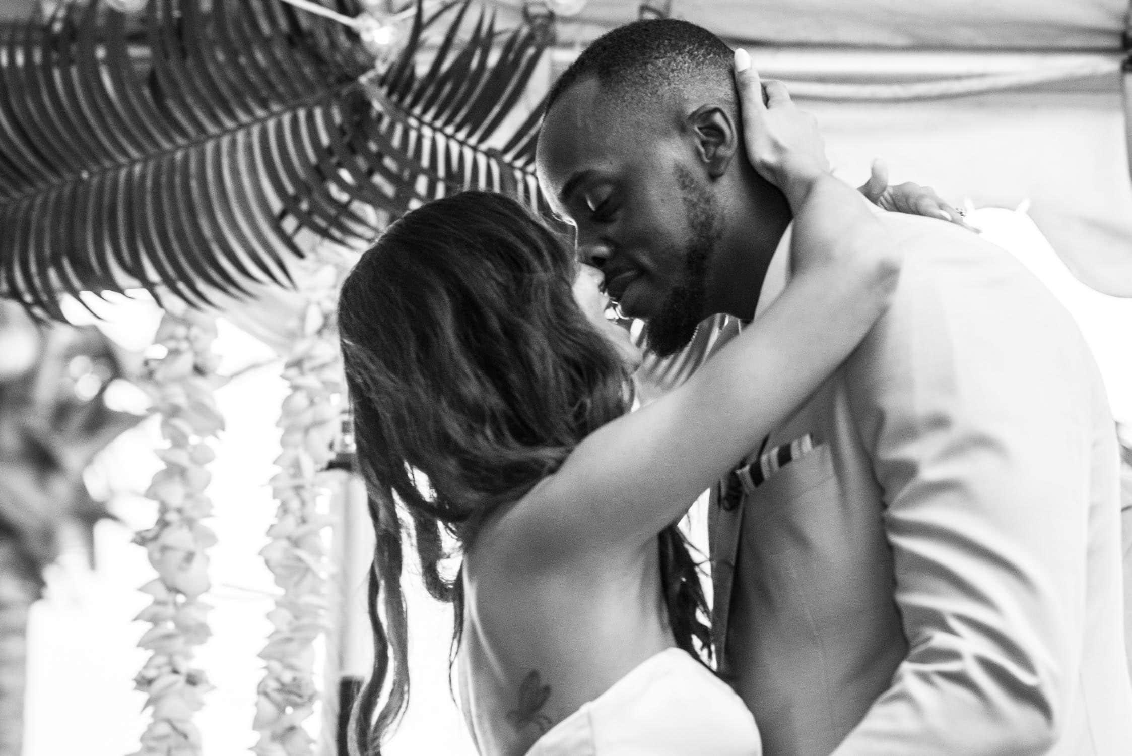 Wedding kiss b&w
